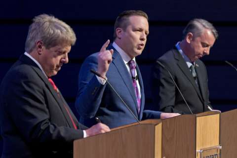 Confederate flag costs Stewart colleagues' support in Va. gov. race
