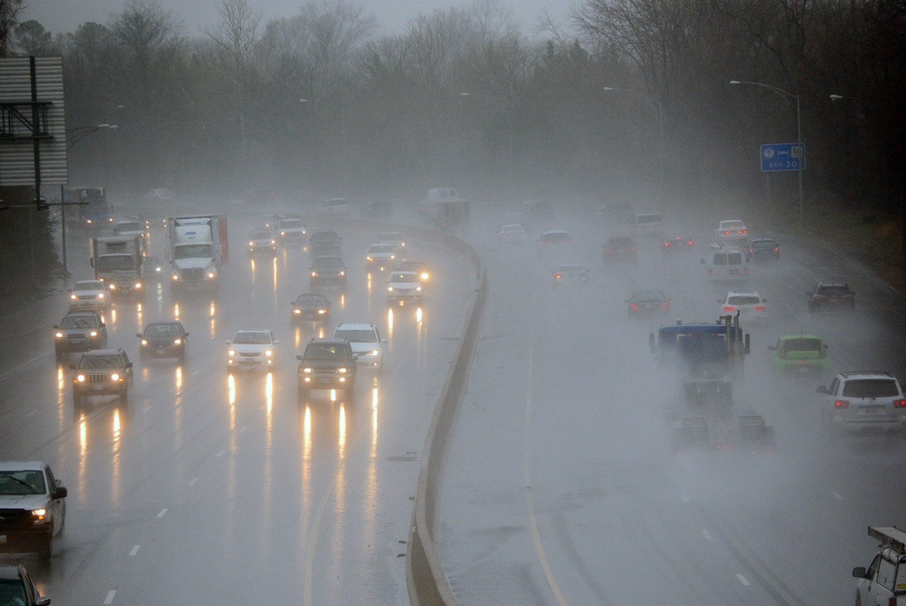 Rain pours over the Capital Beltway in this April 6, 2017 file photo.  (WTOP/Dave Dildine)
