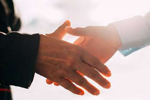 Doctors urged to give up handshakes to help stop the spread of disease