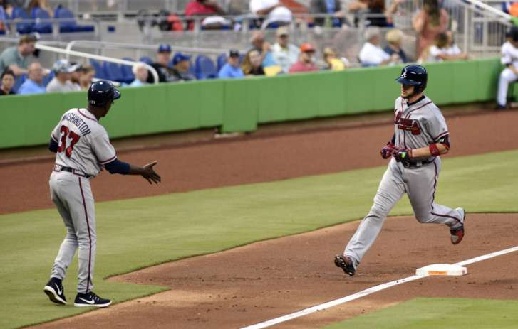 Moore hits 3-run PH homer, Marlins beat Braves