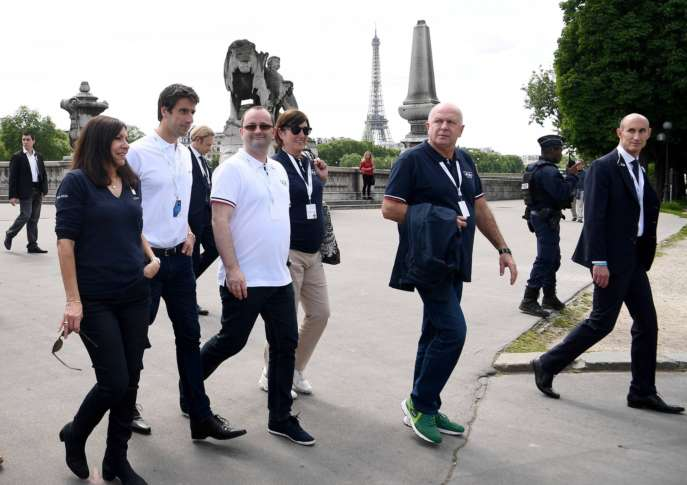Olympics - France's Macron to support Paris bid in Lausanne