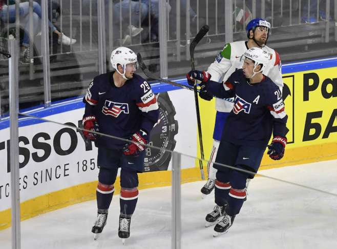 USA shuts out Italy at worlds behind Nelson's two goals