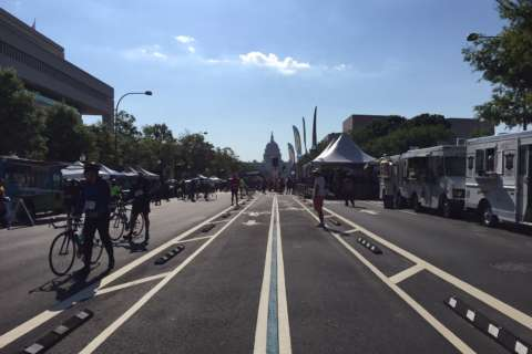 Thousands of cyclists turn out for Mother's Day DC bike ride
