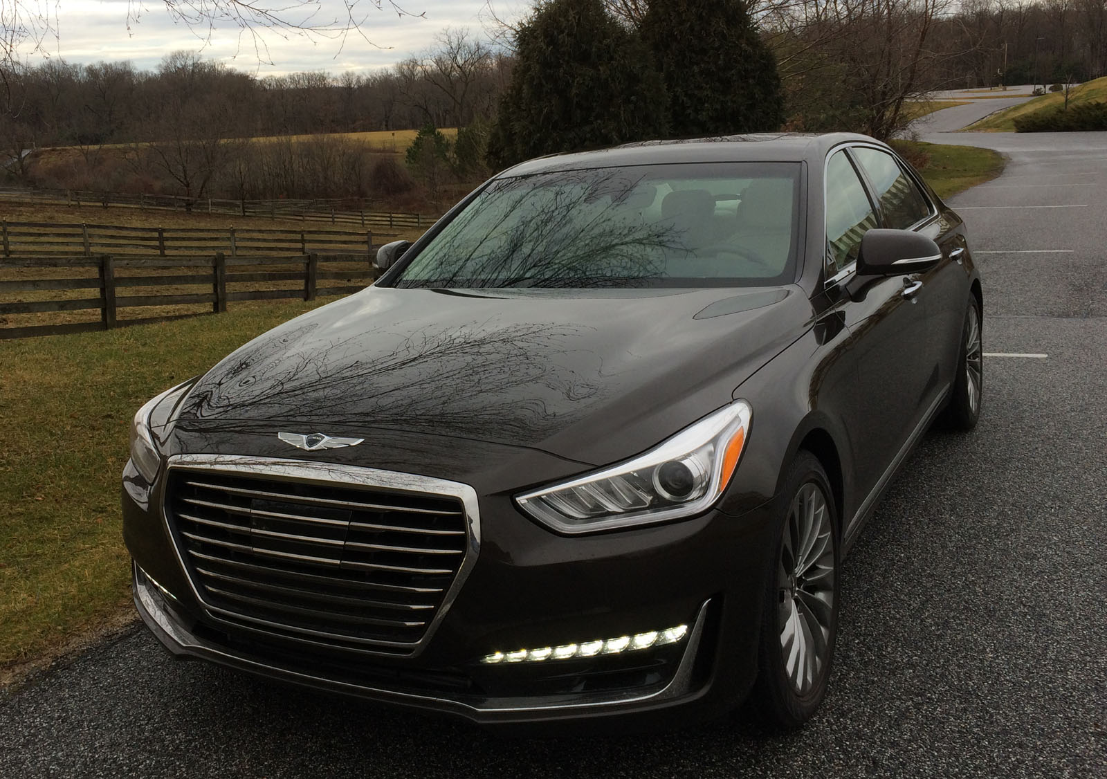 car review 2017 genesis g90 is a large luxury sedan that won 39 t break the bank wtop. Black Bedroom Furniture Sets. Home Design Ideas