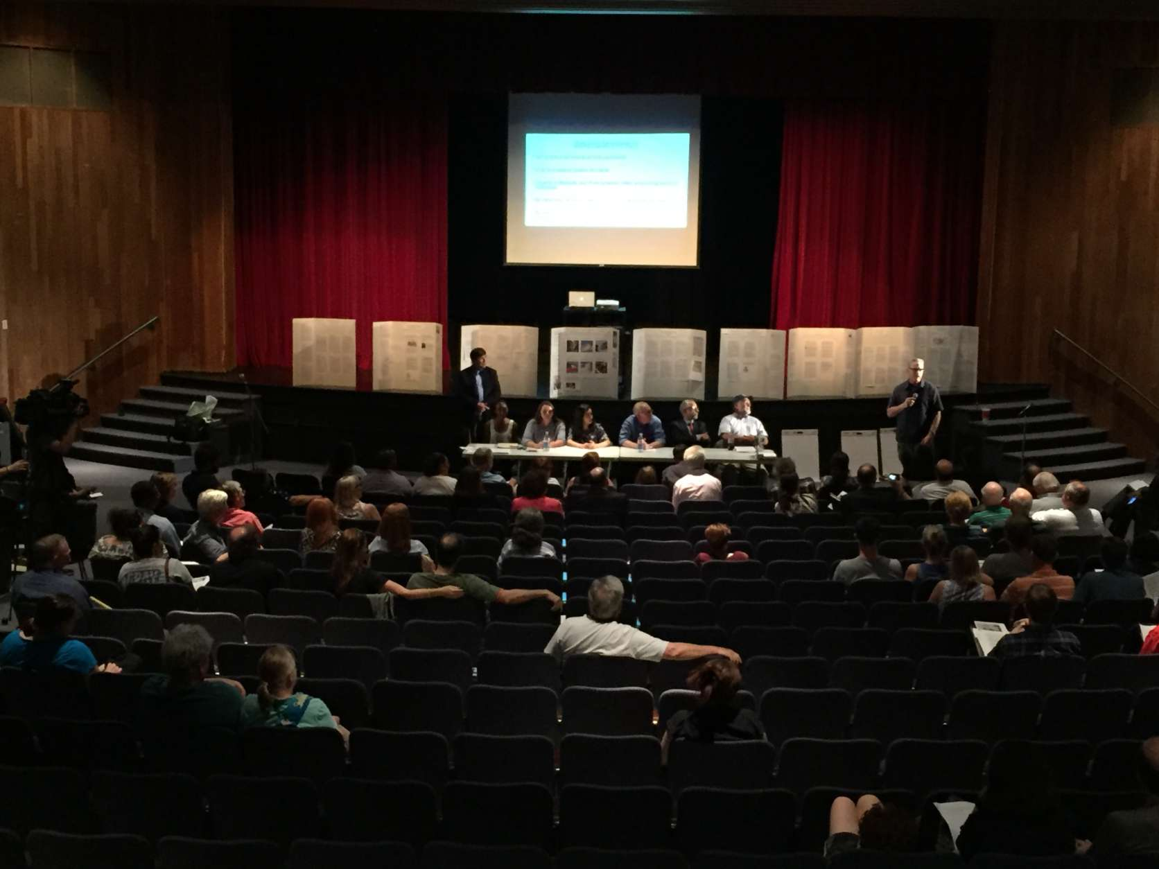 The possibility of removing the name of Confederate Confederate General J.E.B. Stuart from a Falls Church high school was the topic of discussion at a meeting at the school Thursday night. (WTOP/Michelle Basch)