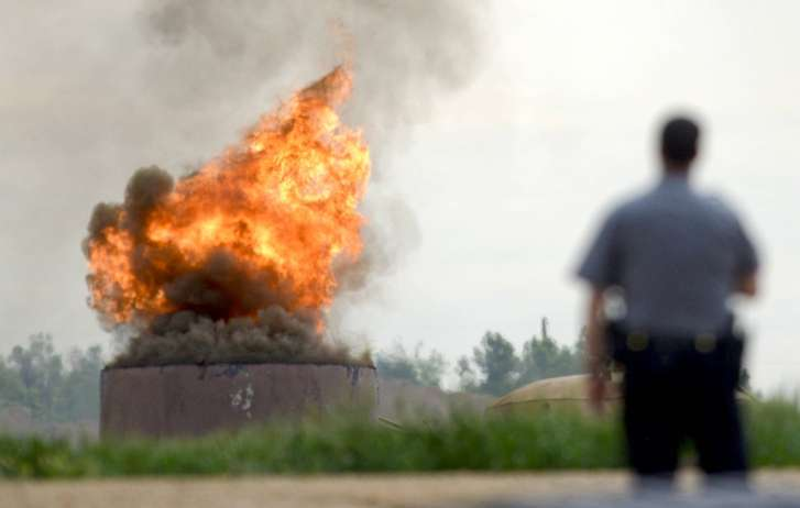 One dead, three injured in Colorado in oil tank fire