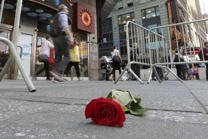 Dad of Michigan teen leaves note at her NYC memorial