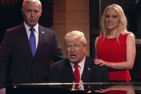 Baldwin sings 'Hallelujah' as Trump on 'SNL' season finale