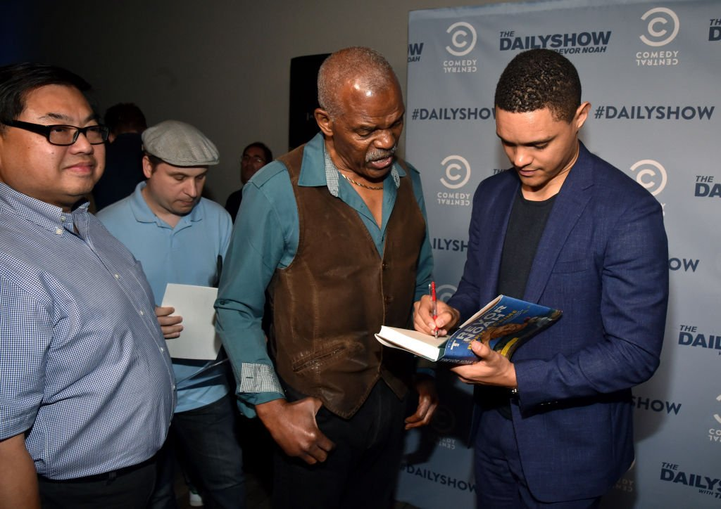 HOLLYWOOD, CA - MAY 22: The Daily Show host Trevor Noah signs an autograph at The Daily Show FYC 2017 on May 22, 2017 in Hollywood, California. (Photo by Alberto E. Rodriguez/Getty Images for Comedy Central )
