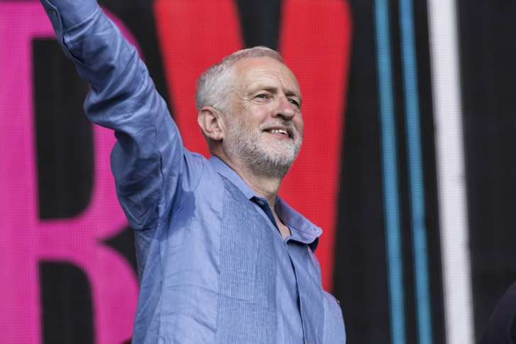 Glastonbury 2017: Jeremy Corbyn's impassioned speech pulls in astonishingly large crowd