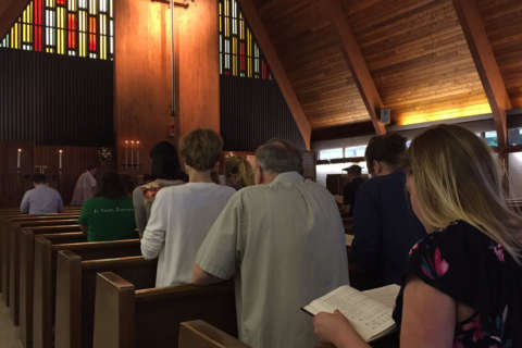 Alexandria church holds prayer vigil for peace in wake of shooting