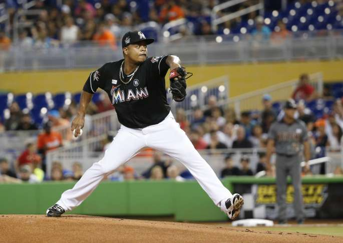 Marlins' Stanton sits out with hamstring issue