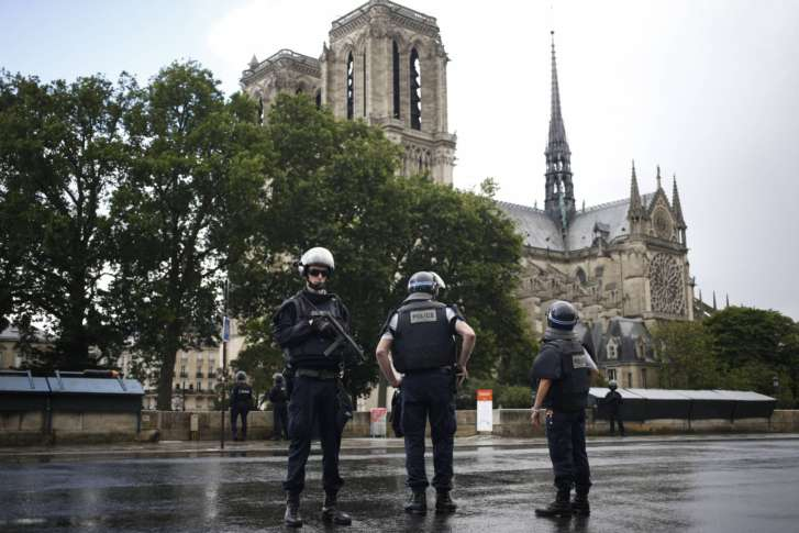 Attacker shot outside Notre-Dame cathedral in Paris