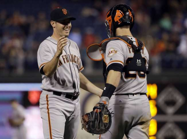 Giants rout Phillies 10-0