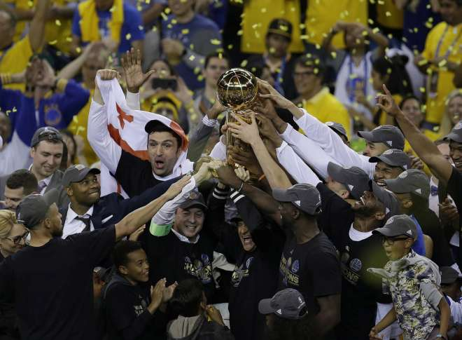 Warriors fans celebrate NBA title with rowdy street party