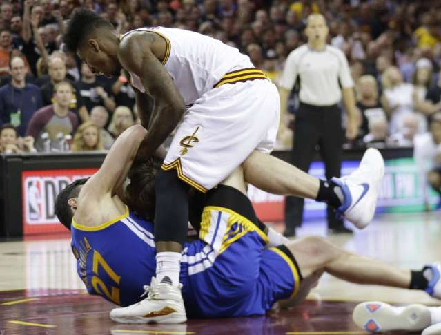 Curry not fazed by National Basketball Association finals history