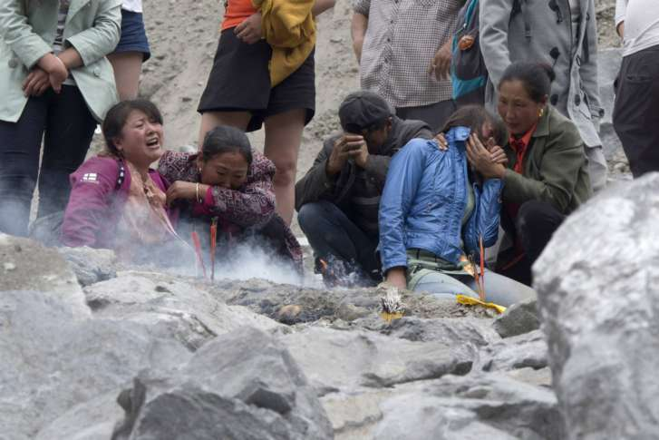 Rescuers ordered to leave amid fears over second China landslide