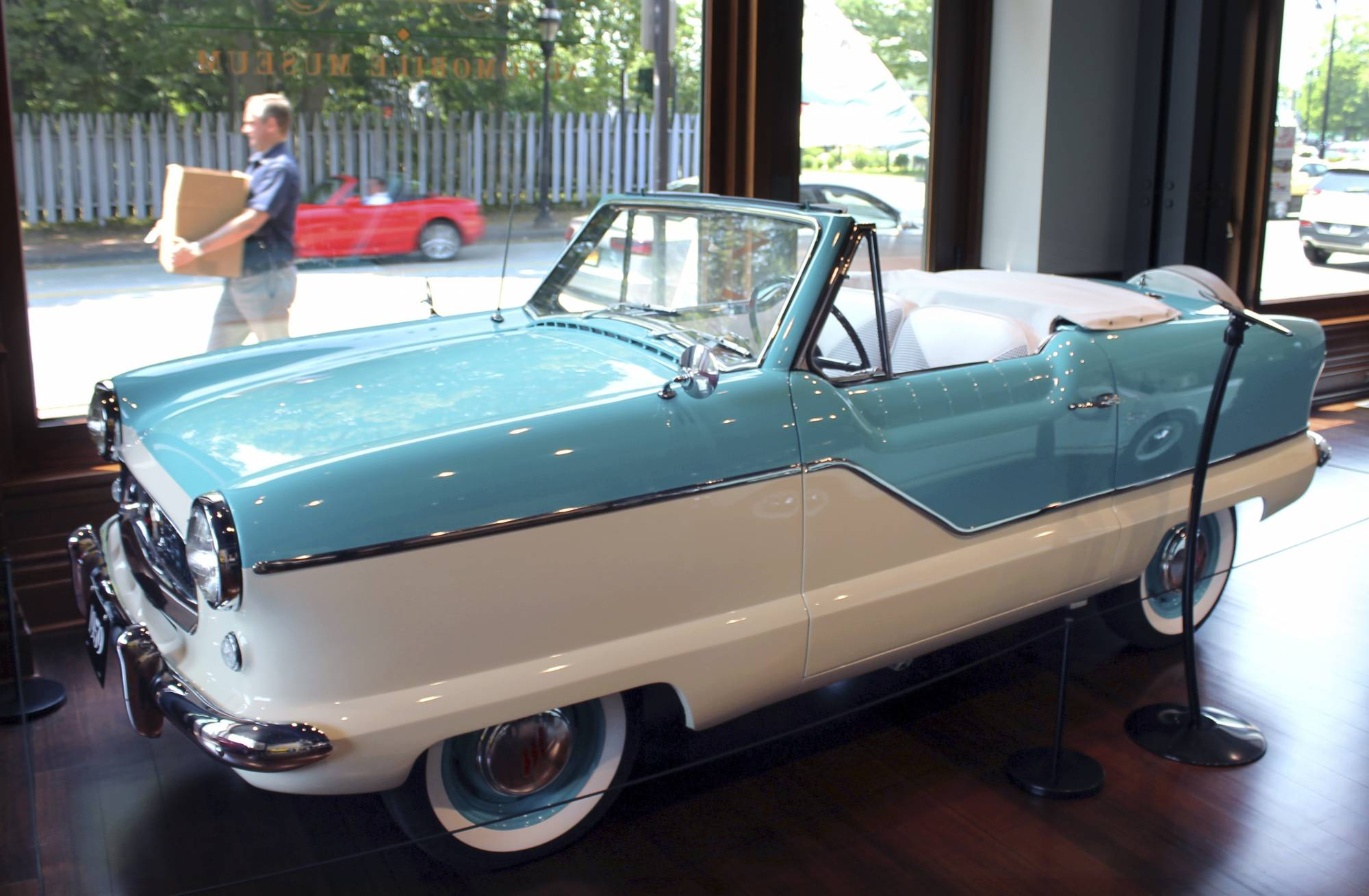 Car lovers\' Newport: 2 museums highlight design on wheels | WTOP