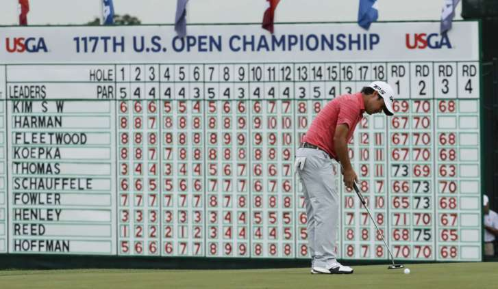 Seeking answers, Spieth struggles in 3rd round at US Open