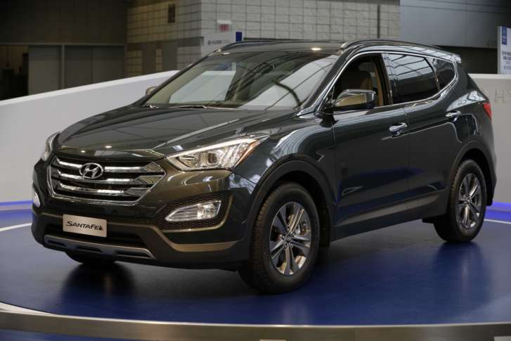 Hyundai recalls 437400 SUVs for hoods that may open while driving