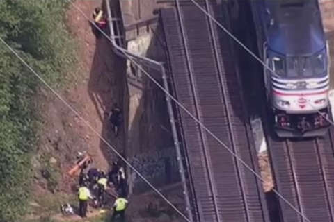 Fairfax Co. police: VRE train hits, kills 13-year-old girl