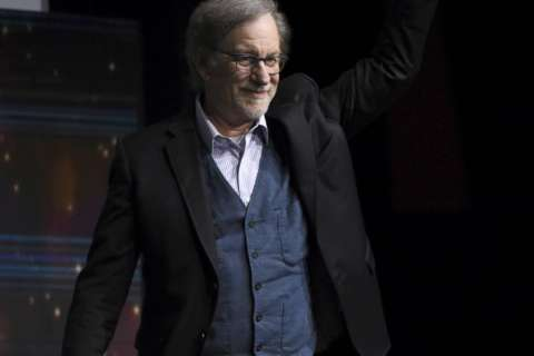 Spielberg debuts action-packed 'Ready Player One' footage
