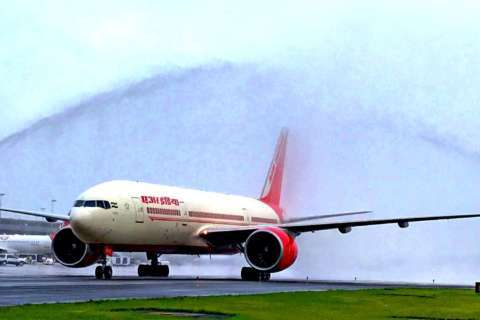 Air India's first Dulles flight greeted by water cannons
