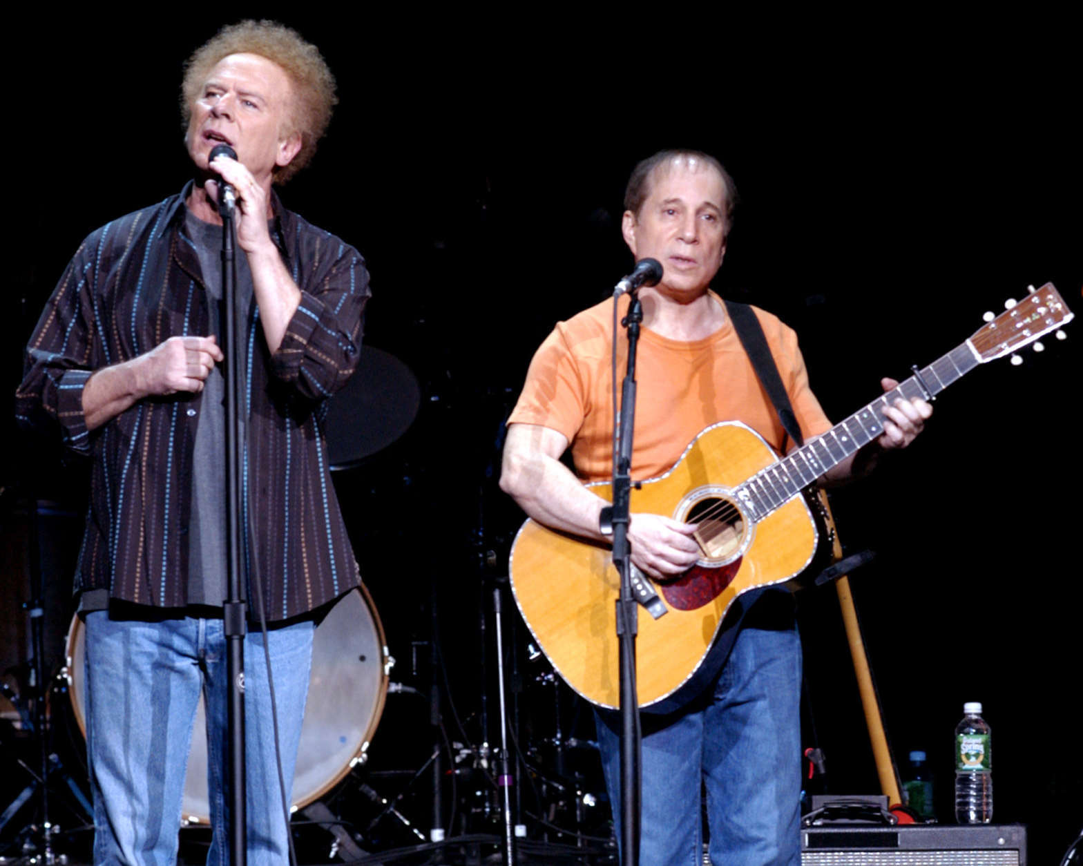 Here\u0027s to you, Mr. Garfunkel Kennedy Center echoes with