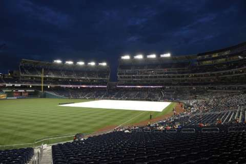 Fans frustrated over Nationals 3-hour 'no-rain rain delay'