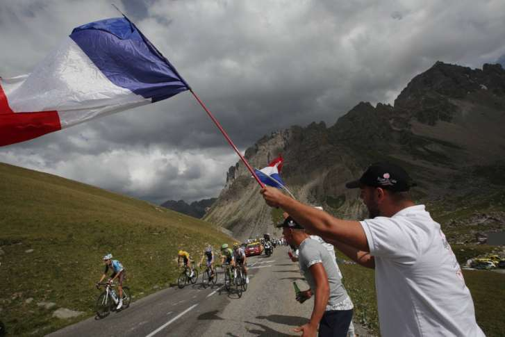 Dan Martin loses ground on stage 16 of Le Tour