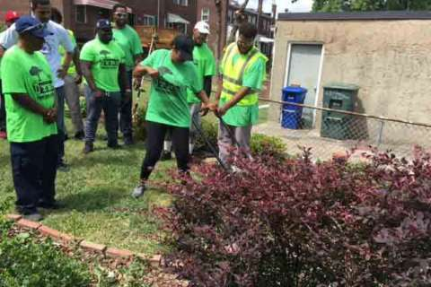 DC juvenile offenders give back to the community, senior residents