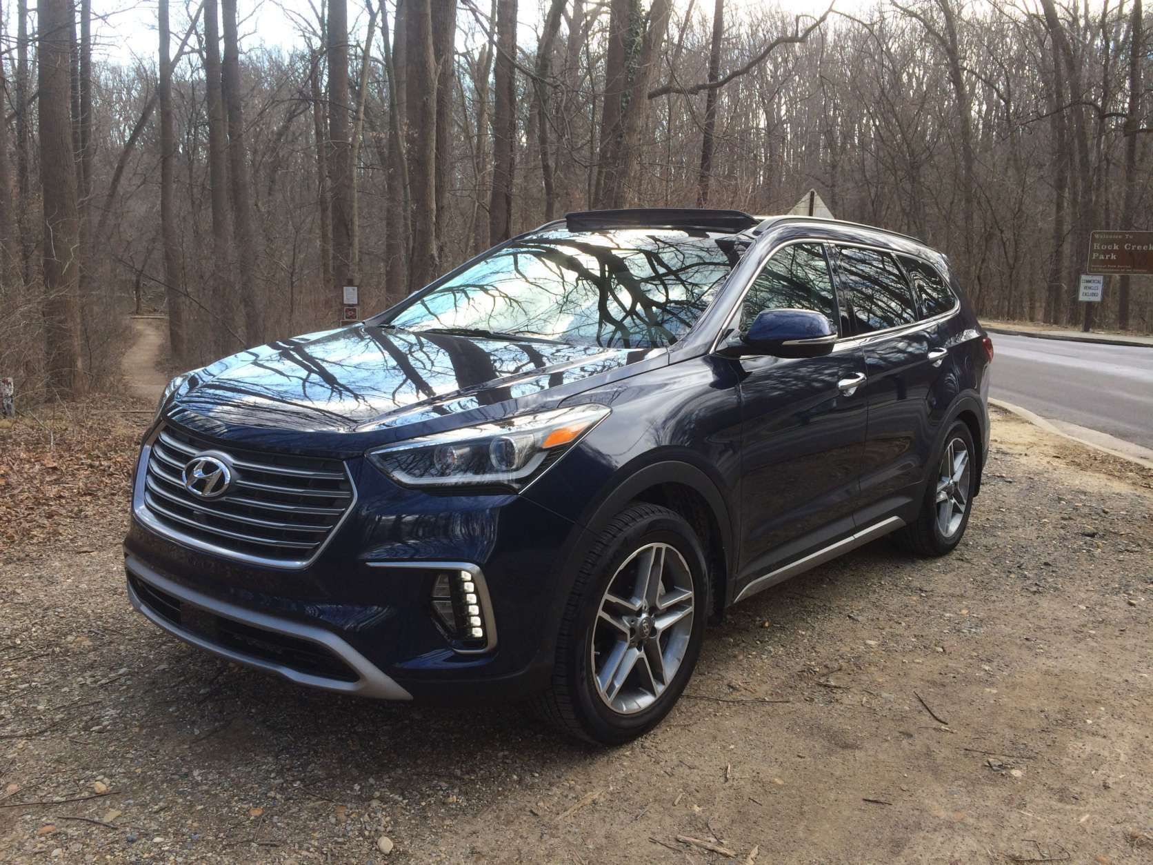 WTOP car guy Mike Parris says the Hyundai Santa Fe Limited Ultimate is a value buy with all the luxury for a seven-seat crossover. (WTOP/Mike Parris)