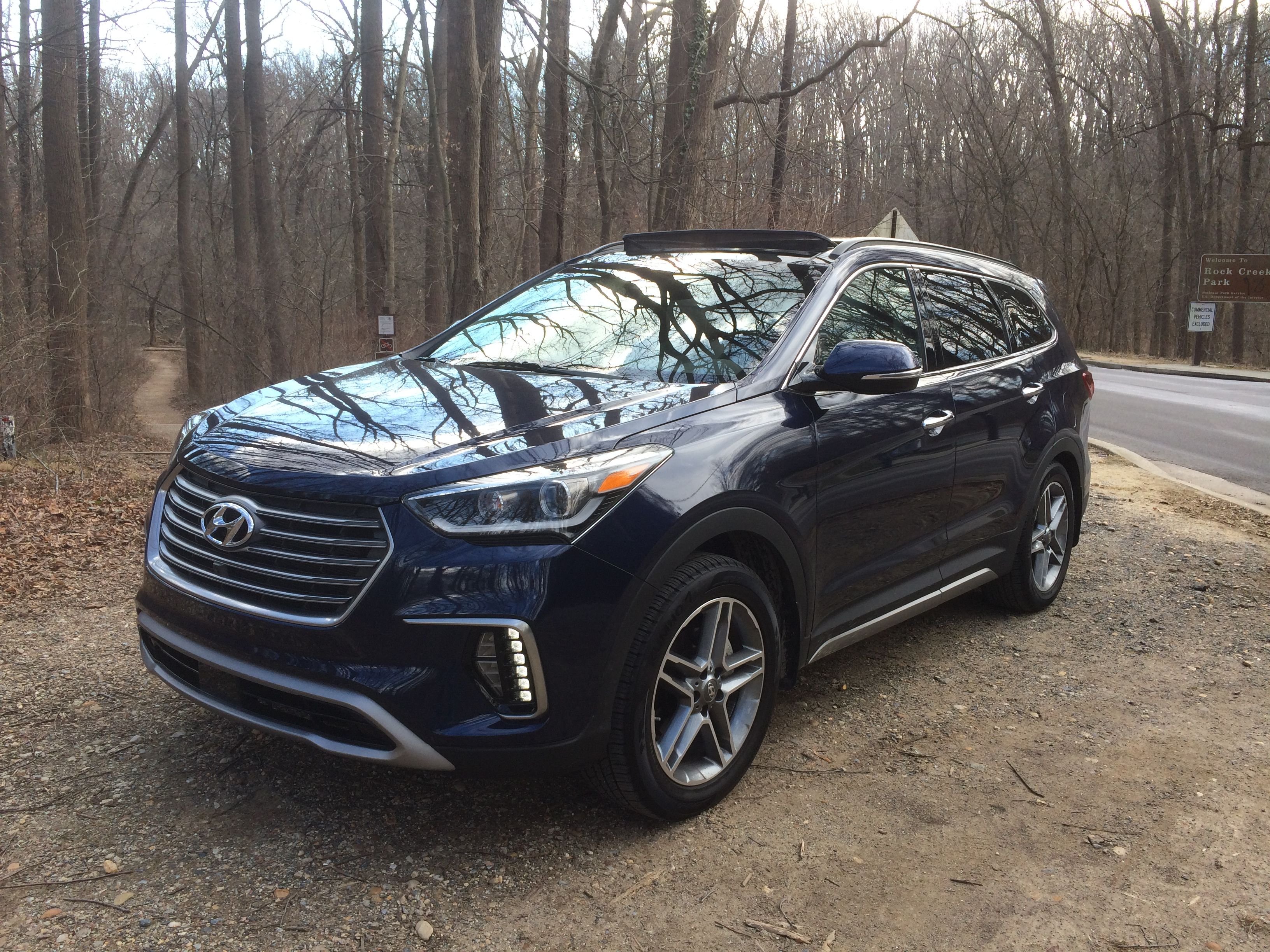 car review hyundai offers 39 value buy 39 with 2017 santa fe limited ultimate wtop. Black Bedroom Furniture Sets. Home Design Ideas