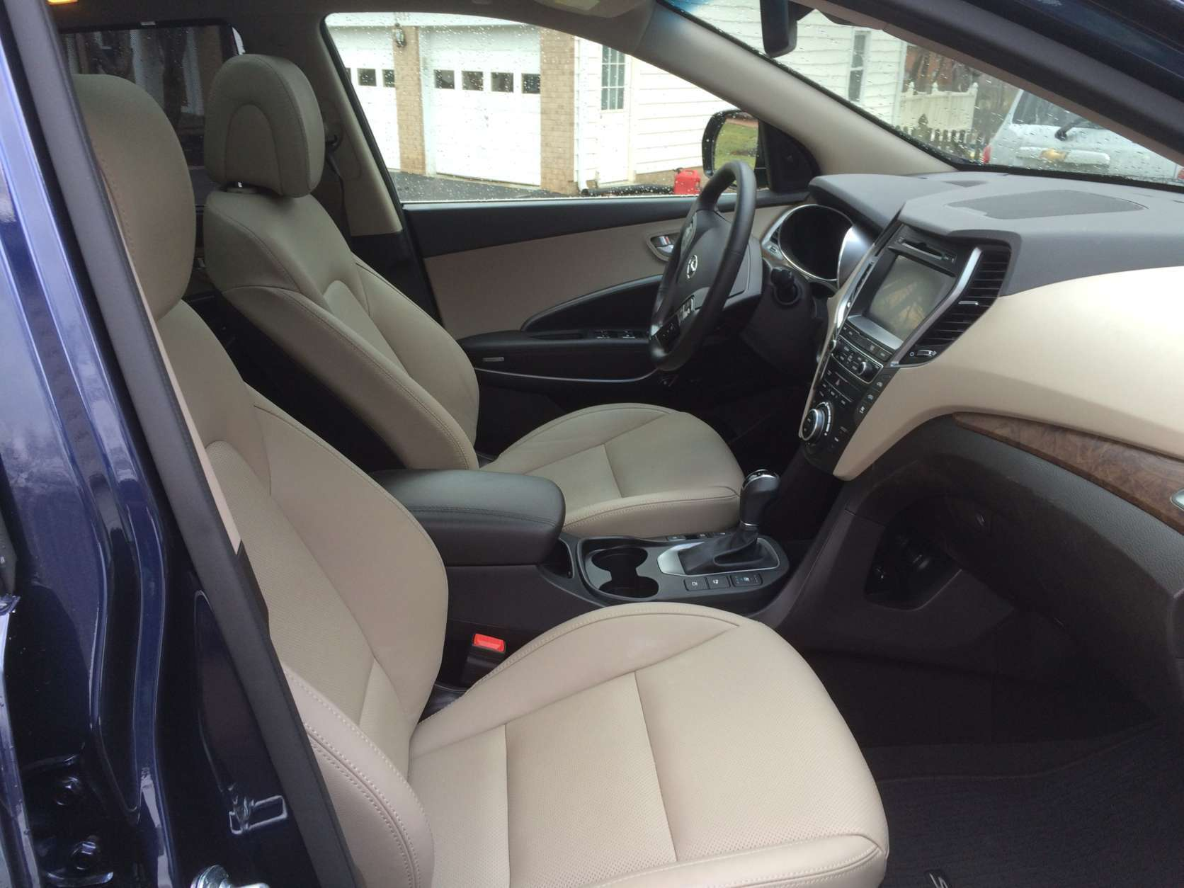 The leather seats in the front are heated, ventilated and offer good comfort. (WTOP/Mike Parris)