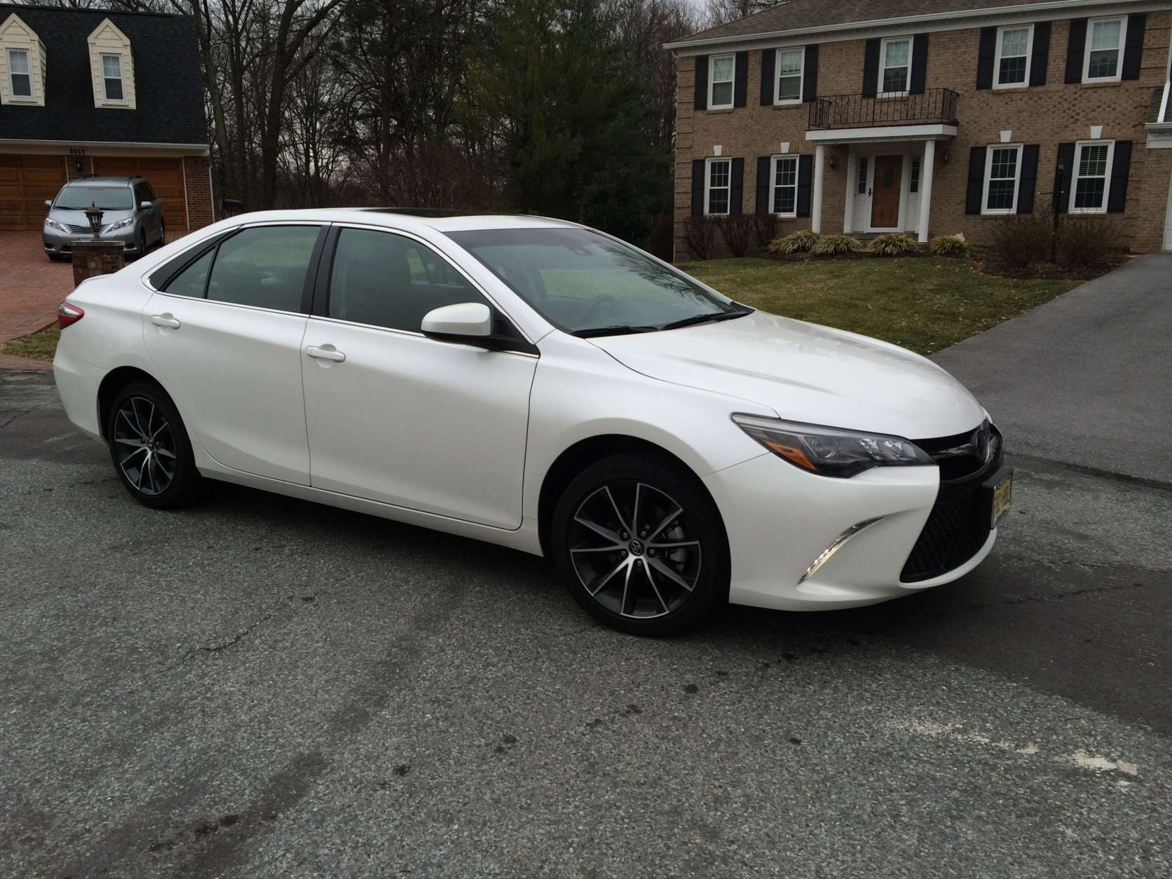 2017 Camry Xse >> Car Review 2017 Toyota Camry Adds Some Sport To Midsize