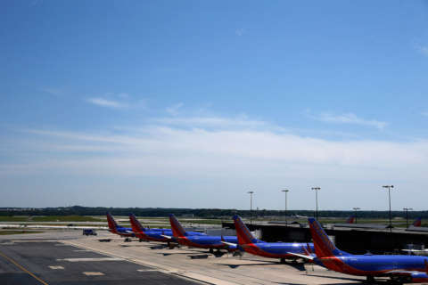 Airplane noise complaints growing in Anne Arundel Co.