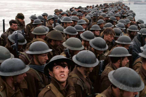 Review: Christopher Nolan's 'Dunkirk' viscerally stunning, emotionally chilly