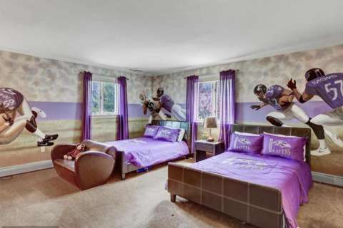 Former Ravens Star Ray Lewis lists Maryland mansion for $2.5M (Photos)