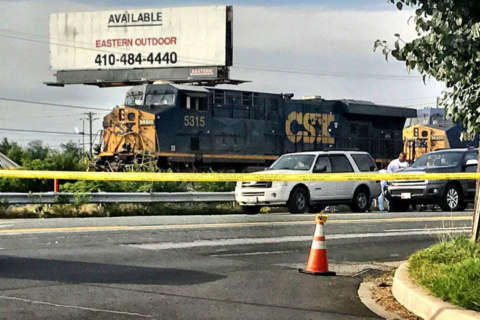 1 dead after train and vehicle crash in Beltsville