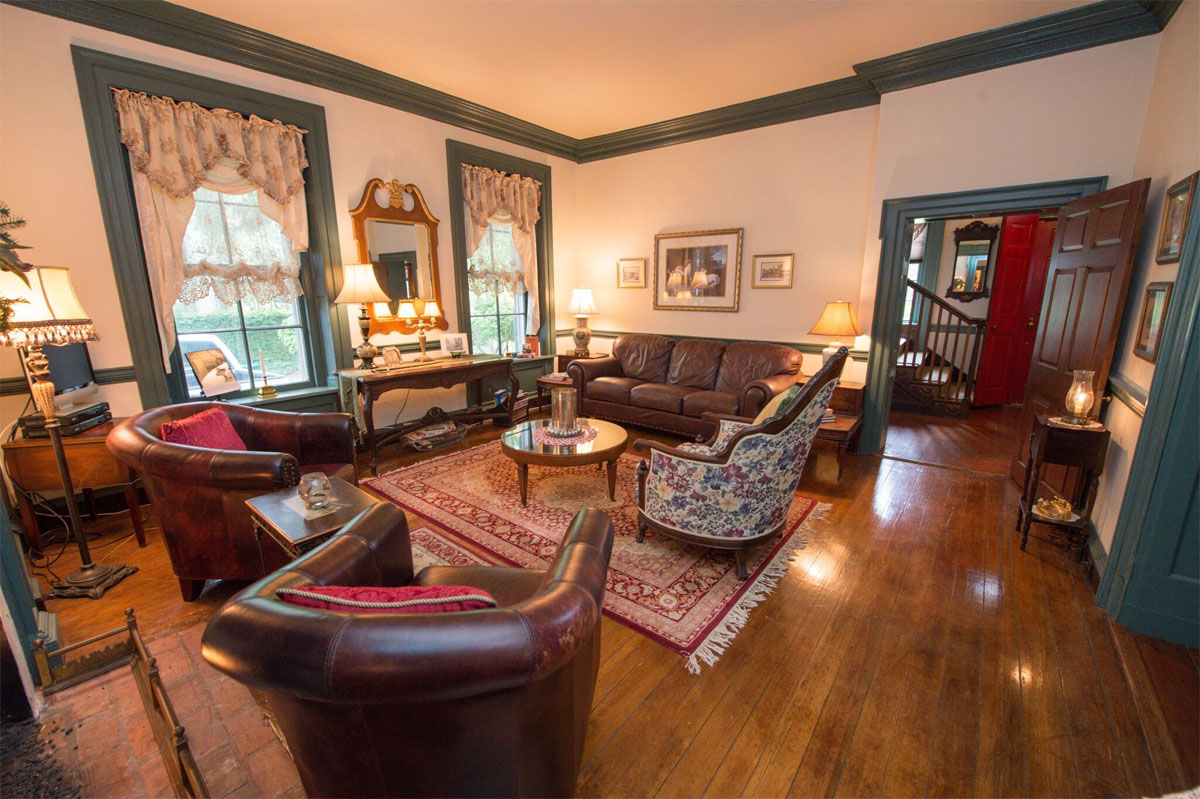 Chanceford Hall, built in 1793, has ties to the War of 1812 and recently underwent an extensive renovation. The six-bedroom bed-and-breakfast has 10 fireplaces, a parlor and solarium. (Courtesy Ashley Holloway/AD Photography & Design)