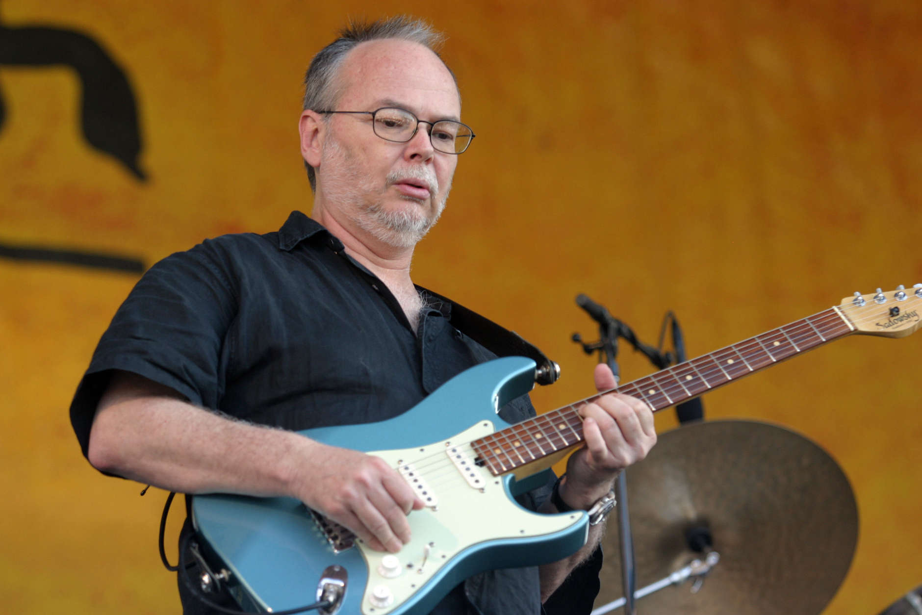 Walter Becker, of Steely Dan, performs during the 2007 Jazz and Heritage Festival in New Orleans on Sunday, May 6, 2007. (AP Photo/Dave Martin)