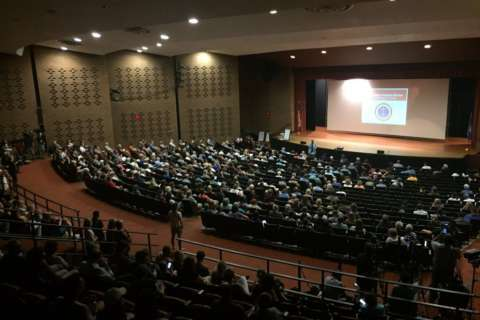 Charlottesville citizens vent, criticize leaders at community recovery town hall