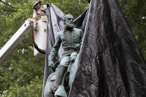 Poll: Confederate statues offensive but most Virginians want to keep them