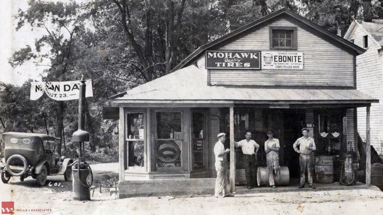 A view of Myers Market from Leesburg Pike in 1930. (Courtesy Tysons Partnership)