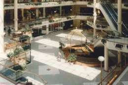 Interior of Tysons Galleria in 1990 before a 1997 renovation. (Courtesy Tysons Partnership)