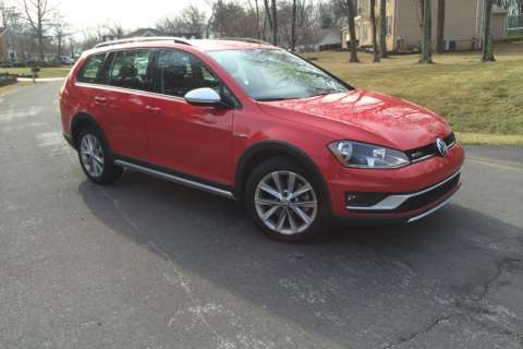 Car Review: VW mixes crossover and station wagon with 2017 Golf Alltrack