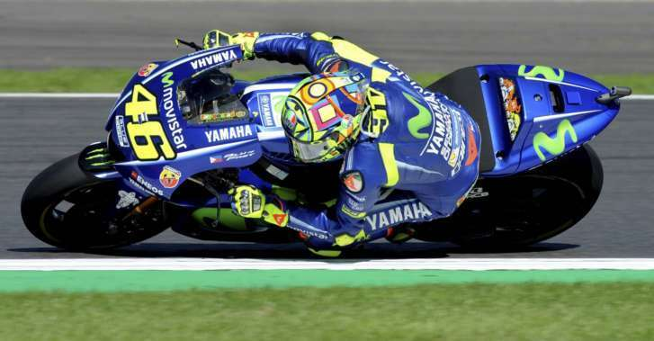 Rossi suffers broken right leg in enduro crash