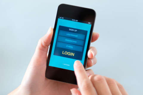 When it comes to mobile, are passwords too risky but smartcards too cumbersome?
