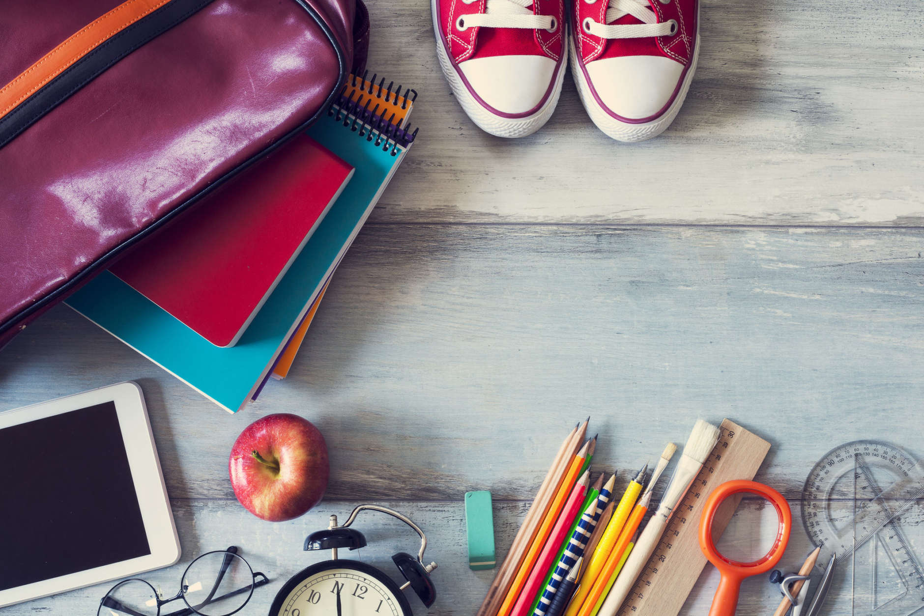 Want to give back to your community? Many school districts are holding school supply drives and fundraisers to help students start the school year on the right foot. Here's how you can help. (Thinkstock)