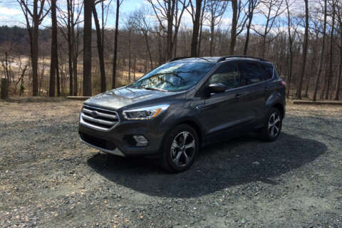 Car Review: Updated 2017 Ford Escape SE has plenty of room and zoom